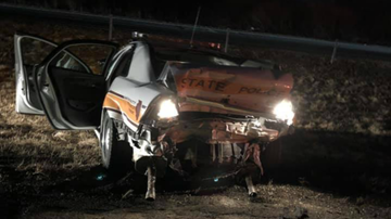 WOC Local News - Illinois trooper hurt, car in flames during traffic stop crash on I-80