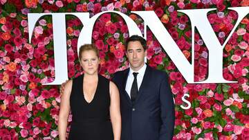Music News - Amy Schumer Reveals Husband Is On The Autism Spectrum