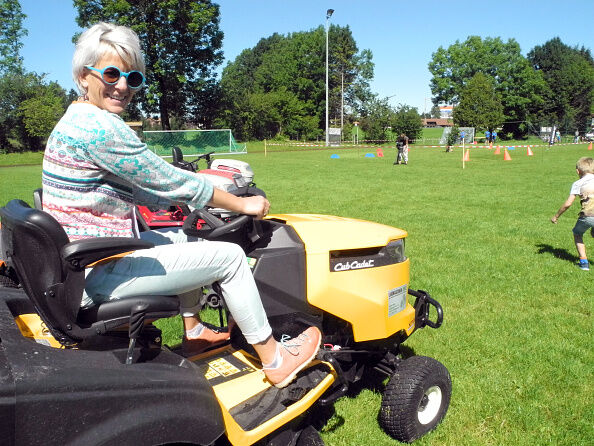 Are YOU a lawnmower parent?!