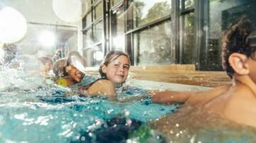 Julie's - How Young Should You Start Your Kids on Swim Lessons?
