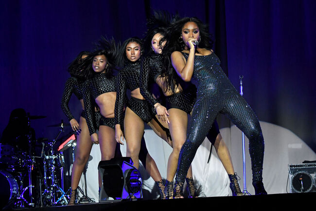 Normani Performed A Rihanna Tribute At 'Sweetener World Tour'