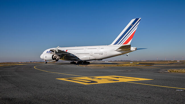 International Flight Operations at Charles de Gaulle Airport