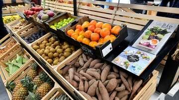 Jonny Hartwell - DIRTY DOZEN: These Are The Fruits And Veggies With The Most Pesticides