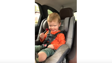 JB - ***VIDEO*** Hilarious Little Boy Raises Eyebrows While Licking Lollipop