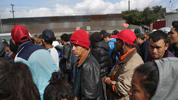The Pursuit of Happiness - Border Patrol: Detention Centers Totally Full, Releasing Migrants