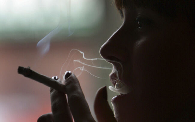 smoking weed linked to risk of developing psychosis