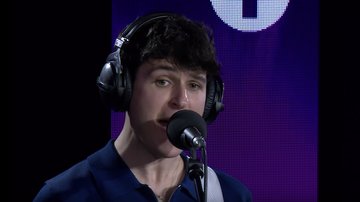 Trending - Vampire Weekend Cover Post Malone's 'Sunflower': Watch