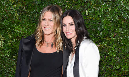 Entertainment News - Courteney Cox Was With Jennifer Aniston When She Shared That 'Friends' Post