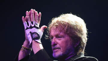 Carter Alan - Jon Anderson of Yes and Mick Fleetwood On The Decibel Diaries Sunday Night!