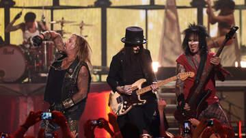 Music News - Mötley Crüe Reveals Two New Songs In Celebration Of 'The Dirt' Premiere