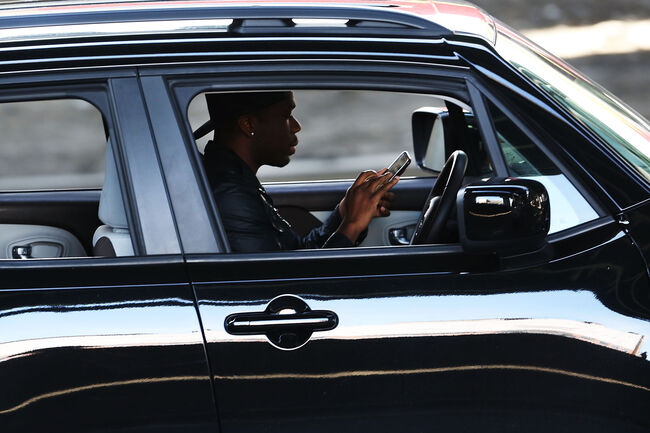 bans on texting while driving reduces visits to ER