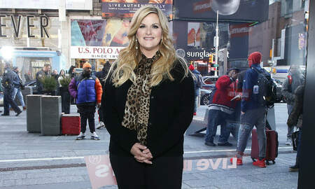 Music News - Trisha Yearwood Says She's Done With Bodysuits After Wardrobe Malfunction