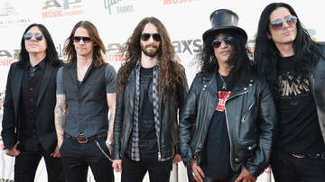 Ian - New Slash featuring Myles Kennedy & The Conspirators