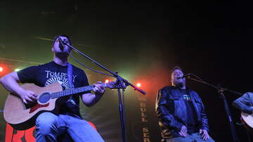 Free Range Bull Series - Uncle Kracker Stage Photos & Video