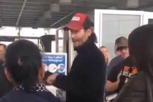 Keanu Reeves Takes Charge After His United Flight Makes Emergency Landing