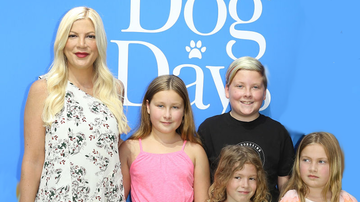 Johnjay And Rich - Tori Spelling Gets Dragged And Her Kids Body-Shamed For Instagram Post