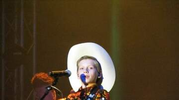 None - Mason Ramsey Horsin' Around With Lil Nas X's Old Town Road