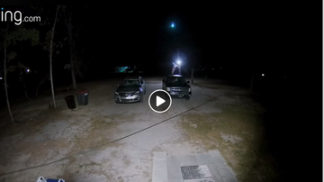 Mix Mornings with Laura Diaz - Falling Meteor Caught On Doorbell Cam