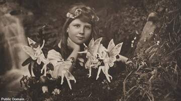 Coast to Coast AM with George Noory - More Cottingley Fairy Photos Up for Sale