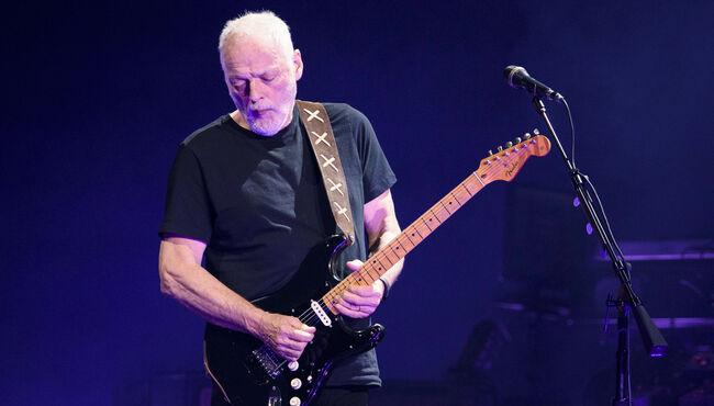 David Gilmour Explains Why He Loves Fender Guitars