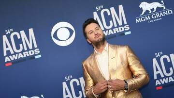 Frankie D - Funny moments during the ACM Awards Show!