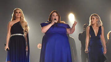 kelly - ACM Awards-Chrissy Metz Makes Her Singing Debut With Carrie Underwood