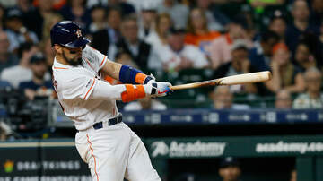 Sports Desk - Astros Rally Late To Beat Yankees