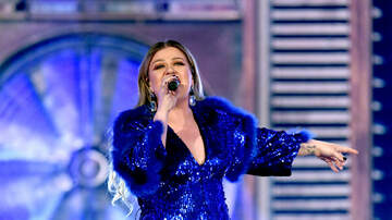 GiGi Diaz - Kelly Clarkson Is Mistaken For A Seat Filler And Her Reaction Was Perfect
