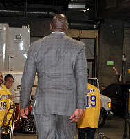 Sports Chowder - Magic Johnson steps down as LA Lakers President after only one full season