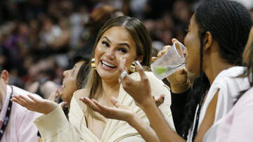 Entertainment - This Pic Of D-Wade Falling On Chrissy Teigen & John Legend Is A Work Of Art