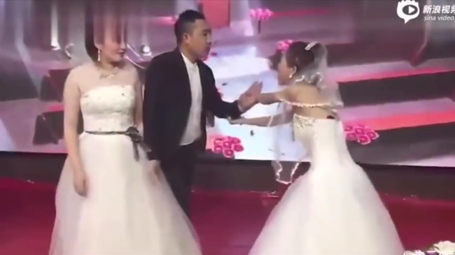 Groom's Ex Interrupts His Wedding While Wearing A Wedding Dress