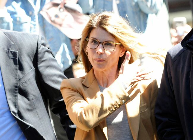 Lori Loughlin Expected 'A Slap On The Wrist' For College Admissions Scam