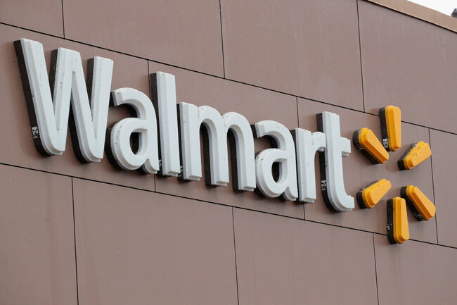 Walmart To Raise Its Minimum Raise To 11 Dollars An Hour