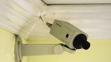 Dave Styles - This Is How You Can Spot Hidden Cameras In Your Hotel Rooms!