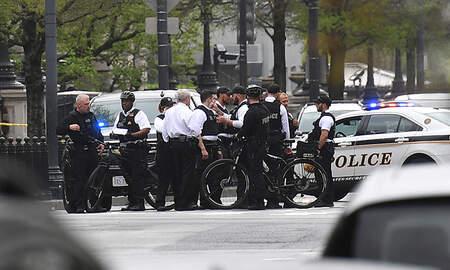 Politics - Secret Service Says Man Set Himself On Fire Near The White House