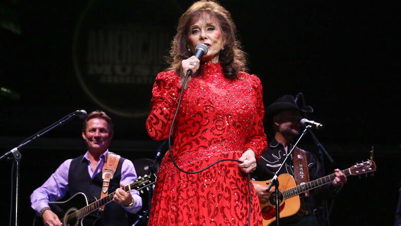 5 Performances To Celebrate Loretta Lynn