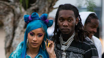 Trending - Cardi B & Offset Couldn't Keep Their Hands Off Each Other While Performing