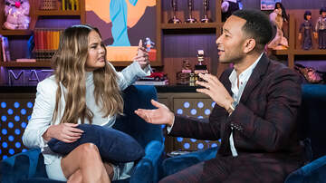 DJ A-OH - John Legend Locked Chrissy Teigen Out of the Room During Game of Thrones