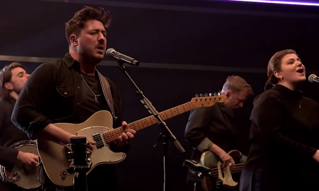 Trending - Mumford & Sons Perform 'Beloved' With Yebba And The Staves: Watch