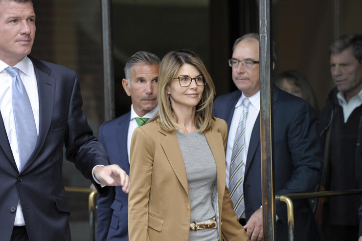 Lori Loughlin 'Outraged' She's Being Called A 'Cheater' & Turned Into Memes