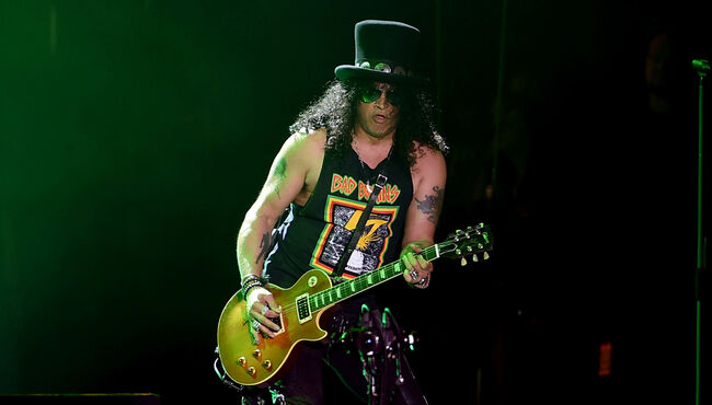 """Slash Looks Forward To """"Give-And-Take"""" Of Upcoming Guns N' Roses Sessions"""