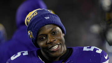Mansour's Musings - Teddy Bridgewater ran out of toys at toy drive...so he handed out cash! 💵