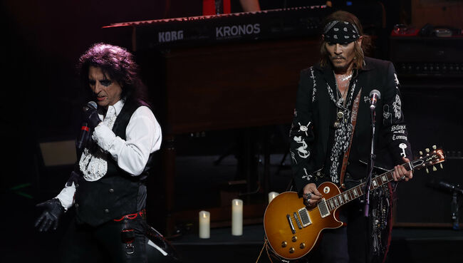 """Hollywood Vampires Releases New Single """"Who's Laughing Now"""""""