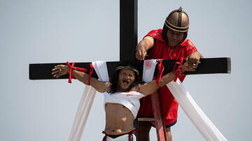 Walton And Johnson - Catholics in Philippines Literally Crucify Themselves To Celebrate Easter