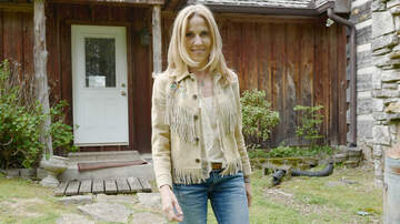 iHeartRadio Music News - Sheryl Crow Releases Chilling 'Redemption Day' Duet With Johnny Cash