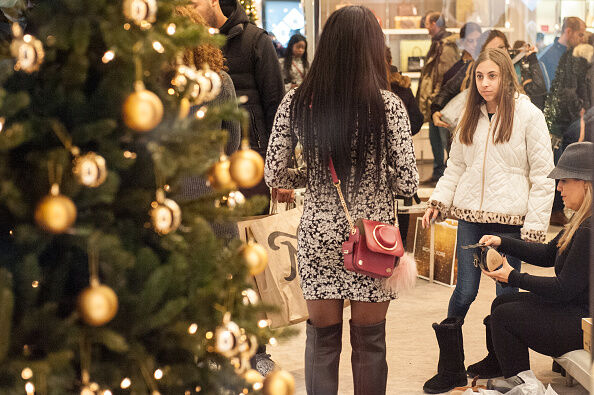 Last-Minute Holiday Shoppers Search For Christmas Gifts