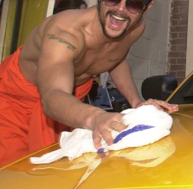 """Jackass: The Movie"" Stars Wash Cars"