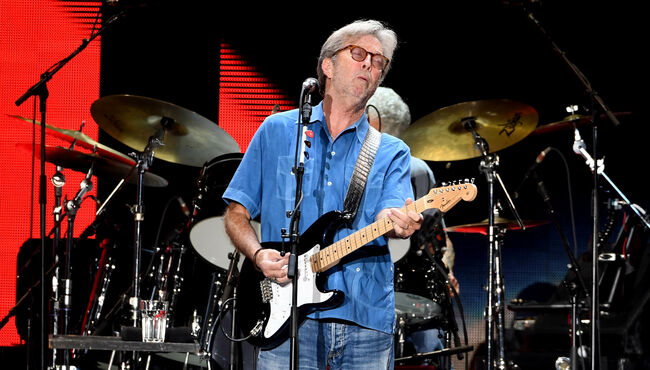"""Eric Clapton Performs """"Layla"""" Electric For First Time In Six Years"""