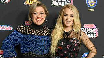 iHeartCountry - Kelly Clarkson Pokes Fun At Rumored Carrie Underwood Feud: Read Her Tweet