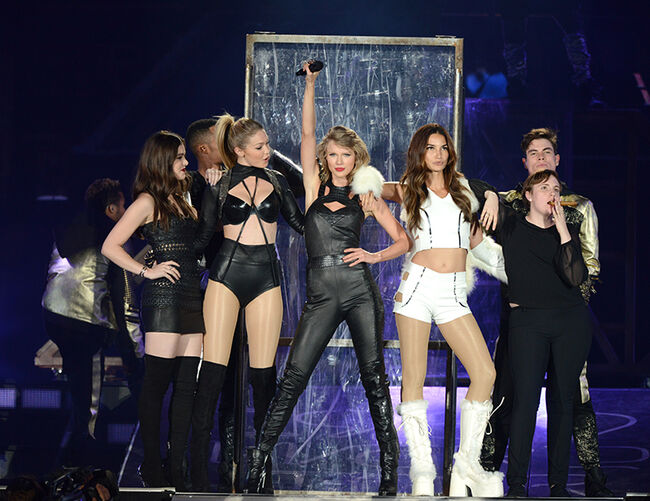 Taylor Swift The 1989 World Tour Live In New Jersey - Night 1